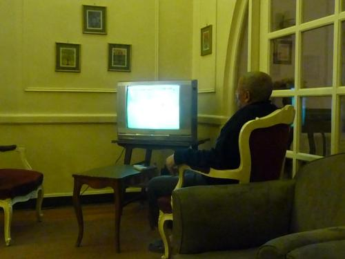 Watching futbol
