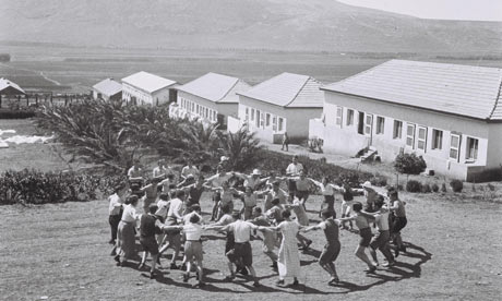 Kibbutz-members-at-Kibbut-006