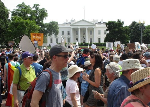 Crowd in front of white house
