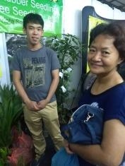 Kuching Ag exhibit with Bong 2